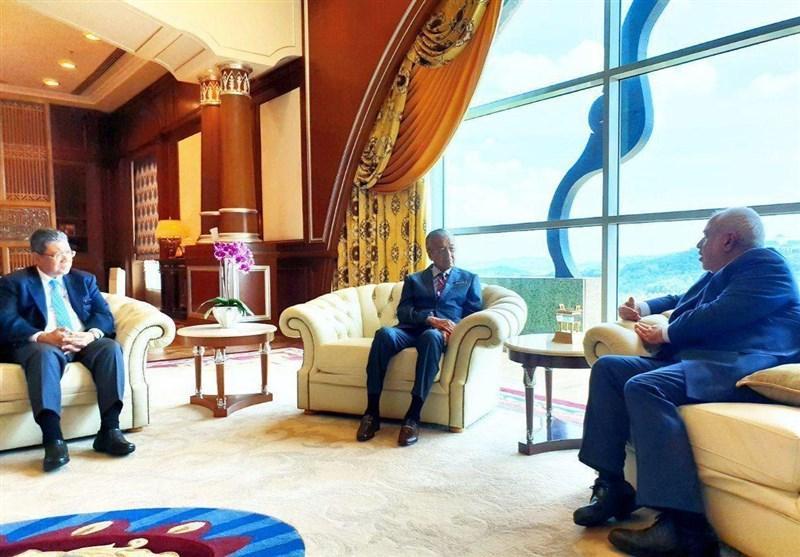 گزارش توئیتری ظریف از برنامه های خود در مالزی در خاتمه دور اول سفر به آسیا