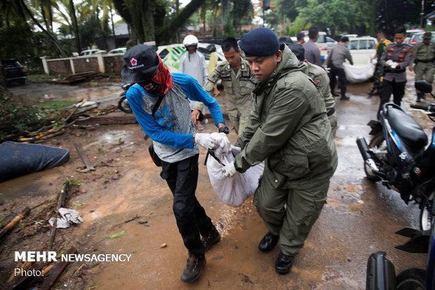 سونامی اندونزی 429 کشته و 1458 مصدوم تاکنون درپی داشته است