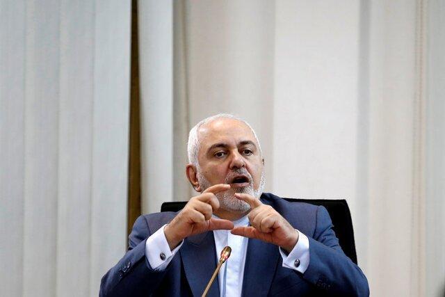 ظریف: این تیم ب است که آرزوی جنگیدن با ایران تا آخرین سرباز آمریکایی را دارد