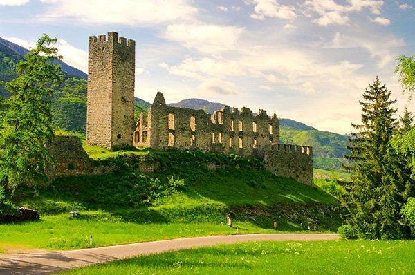 قلعه های قدیمی ایتالیا رایگان به مردم بخشیده می شوند!