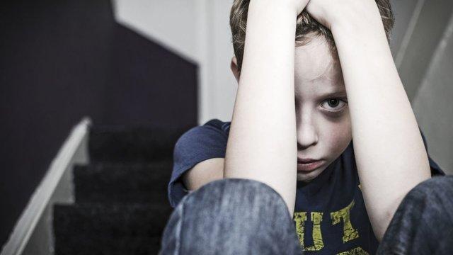 مراقب گفتگوها و رفتارهایمان جلوی بچه ها باشیم