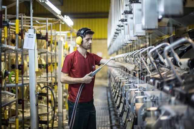 کاهش بیش از 5 هزار نفر اشتغال در بخش صنعت نسبت به سال گذشته