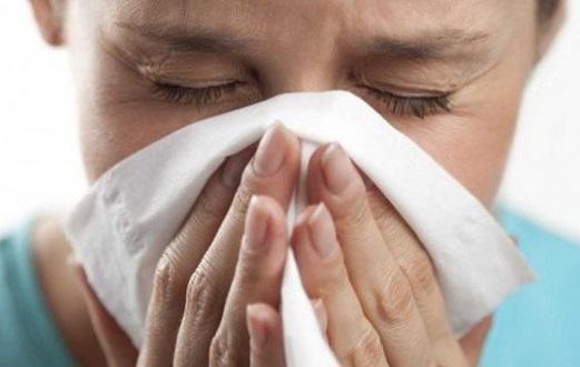 چگونه تشخیص دهیم مبتلا به آنفولانزا هستیم با سرما خوردگی؟