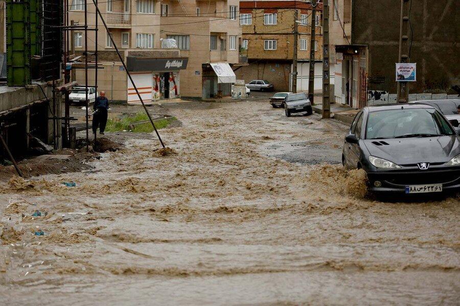 کردستان ، ورود سیلاب به واحدهای مسکونی و تجاری