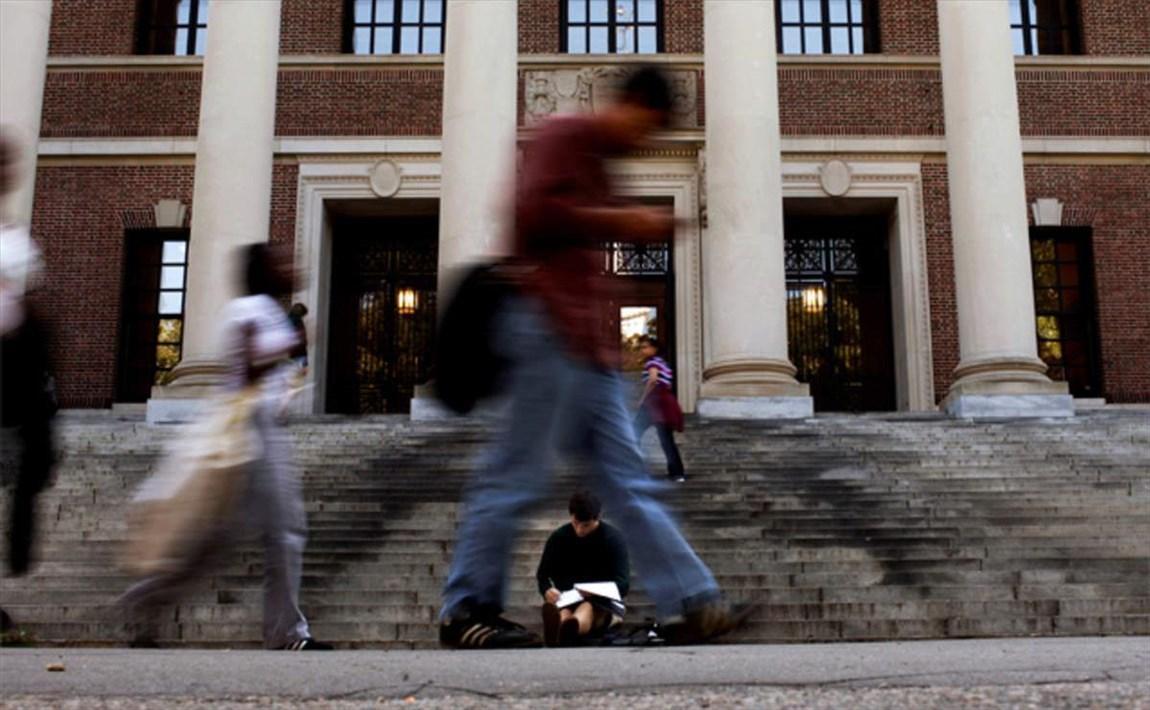 سیاست های نژادپرستانه ترامپ به دانشگاه ها رسید!، سرنوشت هزاران دانشجوی خارجی چه می شود؟