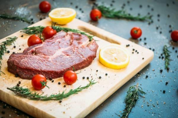 خوردن یا نخوردن گوشت قرمز ؛ بخوانید و قضاوت کنید