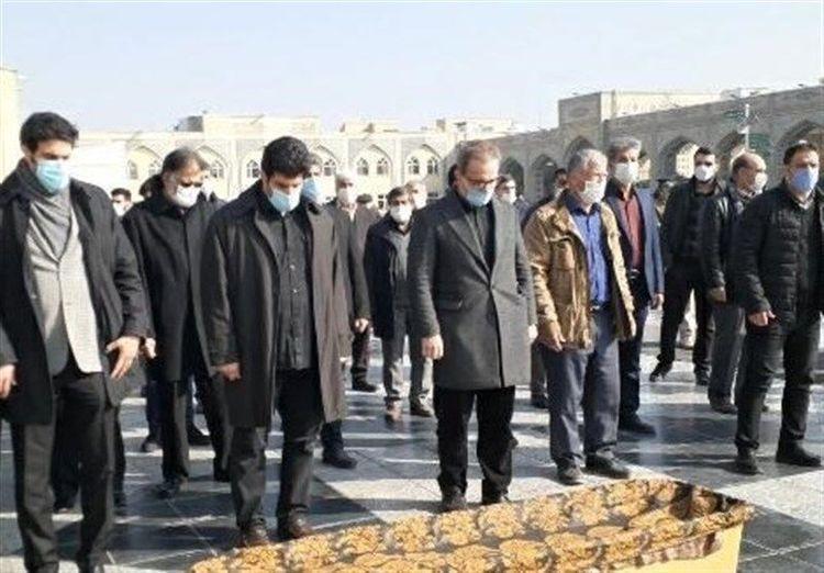 (عکس) خاکسپاری خادم در جوار بارگاه امام رضا (ع)