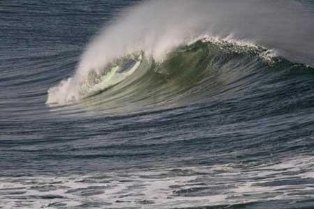 افزایش ارتفاع موج تا 2.5 متر در دریای خزر