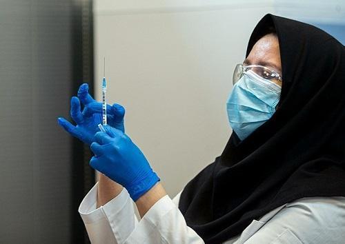 دانشجویان پزشکی و پرستاری دانشگاه علوم پزشکی جیرفت واکسینه شدند