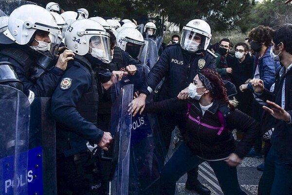 بازداشت دستکم 15 نفر در جریان تجمع اعتراضی امروز در استانبول